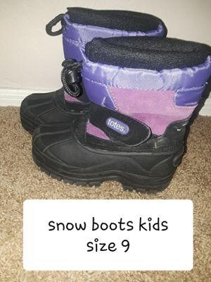 KIDS SZ 9 SNOW BOOTS for Sale in Surprise, AZ