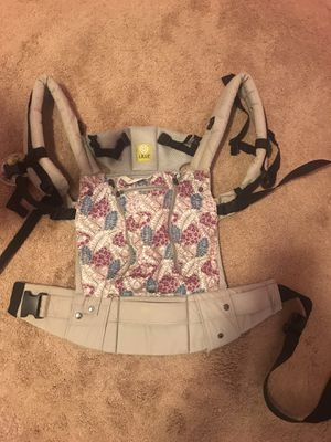 Lille baby infant carrier for Sale in Tarentum, PA