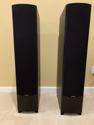 5.1 Energy Connoisseur Surround Sound Floor Standing Speakers for Sale in Issaquah, WA