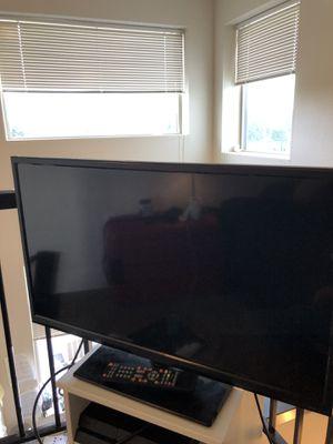 """Quasar 32"""" 720p HDTV for Sale in Shoreline, WA"""