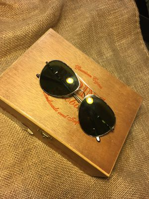 TOM FORD HUNTER SUNGLASSES for Sale in Hermosa Beach, CA