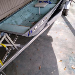 Aluminum John Boat With Title. Trade For 4 Wheeler for Sale in Lakeland, FL
