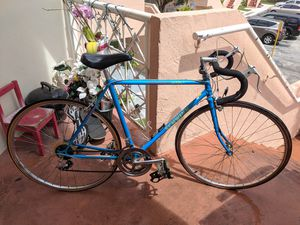 Schwinn Sprint Road Bike & Bike Rack for Sale in Coral Gables, FL