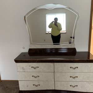 FREE bedroom Set Must Go Immediately for Sale in Tacoma, WA