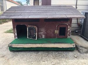 Dog house and H2S Monitor for Sale in Laredo, TX