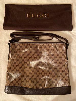 AUTHENTIC Gucci messenger bag for Sale in Miami, FL