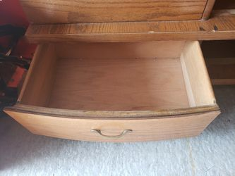 Dresser for Sale in Wilton,  IA