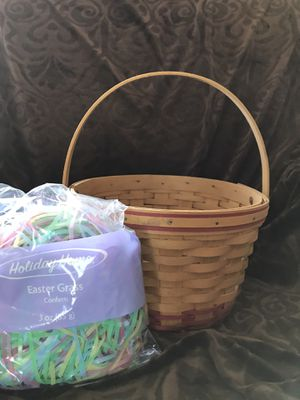 Longaberger Easter Basket with Grass for Sale in Johnstown, OH