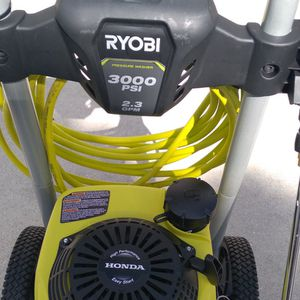 RYOBI PRESSURE WASHER 3000PSI WITH HONDA ENGINE for Sale in Hollywood, FL