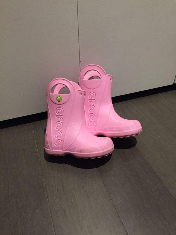 Crocs handle-it rain boots sz C10