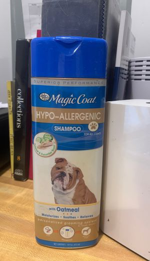 Four paws magic coat hypo allergenic shampoo for Sale in Toms River, NJ