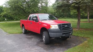 Ford F150 xl triton 4x4 truck w plow tool box and salt spreader for Sale in Thomasville, PA
