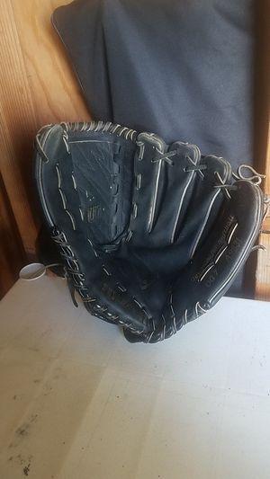 "Softball glove, wilson 13"" for Sale in Whittier, CA"