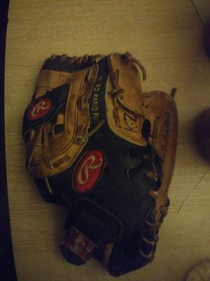 Baseball glove for Sale in Philadelphia, PA