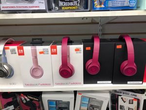 BRAND NEW BEATS SOLO 3 WIRELESS HEADPHONES for Sale in Woodland Park, NJ
