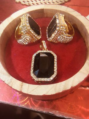 DIAMOND PINKY SET (JEWERLY) for Sale in Brooklyn, NY