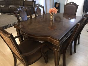 Dining table and chairs for Sale in Tacoma, WA