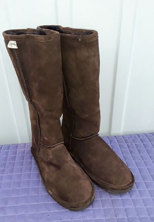 Woman's Bearpaws boots Size W8 for Sale in Fresno, CA