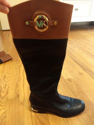 Michael kors boots for Sale in Greer, SC