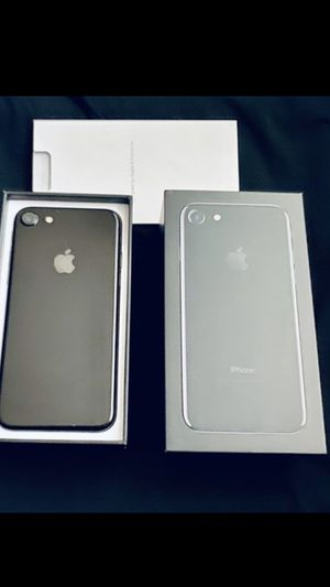 iphone 7 unlocked plus free warranty for Sale in Parma, OH