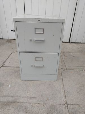 "2 drawer metal file cabinet in good condition. 29"" high. 25"" side 18"" wide for Sale in Alhambra, CA"
