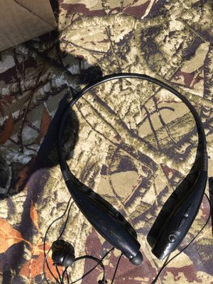Bluetooth wireless headset for Sale in Bartow, FL
