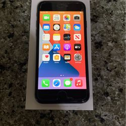 iPhone 8 64 T-Mobile /metro for Sale in Lake Forest Park,  WA