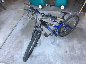 Trek 3700 mountain bike for Sale in Mundelein, IL