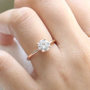 2CT CZ Dimond Round Cut High Clarity- 18k Rose Gold for Sale in Los Angeles, CA