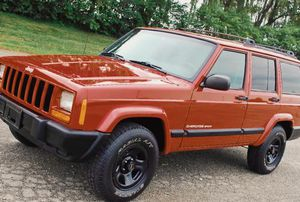 2OO1 Jeep Cherokee Sport for Sale in Des Moines, IA