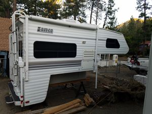 2005 Lance 820 cabover camper for Sale in Wrightwood, CA