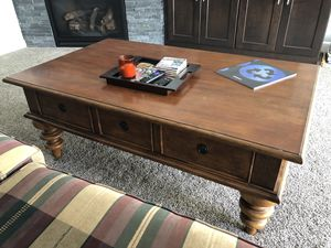 Coffee table for Sale in Rochester, MN