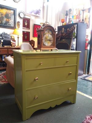Vintage Lime Green 3 Drawer Dresser For Sale for Sale in St. Louis, MO
