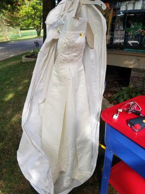 Wedding dress for Sale in Zelienople, PA
