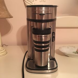 Single cup coffee maker used only a couple times for Sale in Boca Raton, FL