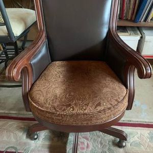 executive desk chair for Sale in Riverside, CA