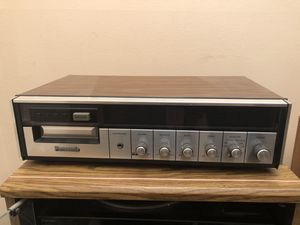 Eight track cassette deck with speakers for Sale in Miami, FL