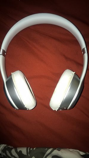 Beats Wireless by Dr Dre for Sale in Gainesville, FL