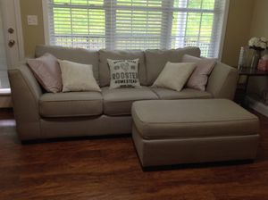 Signature Ashley Furniture Laineir Sofa w/ Ottoman for Sale in BRUSHY FORK, WV