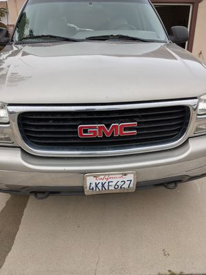 2000- 2004 GMC Yukon Headlights for Sale in Salinas, CA