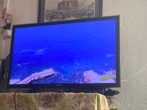 Samsung tv 50 inch for Sale in Chelsea, MA
