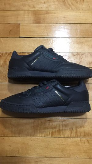 Adidas yeezy powerphase / calabasas core black for Sale in Milwaukee, WI