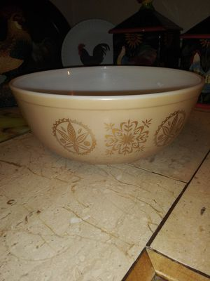Vintage Pyrex 4qt Bowl for Sale in Mesa, AZ