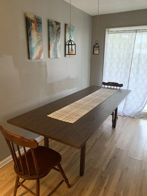 Dinning room table for Sale in Thomasville, NC