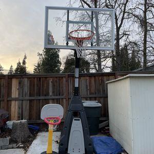 """Spaulding Beast 60"""" NBA Basketball Hoop for Sale in Sacramento, CA"""