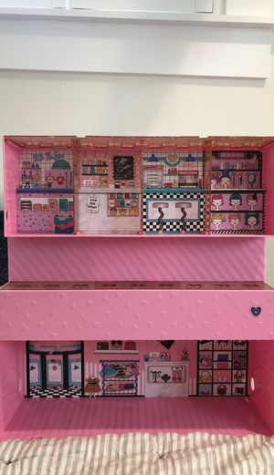 L.O.L. Surprise Pop up store Doll house for Sale in Sacramento, CA