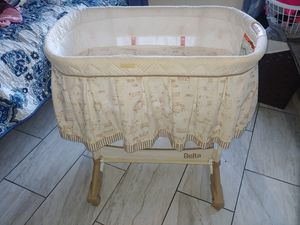 Bassinet for Sale in Los Angeles, CA