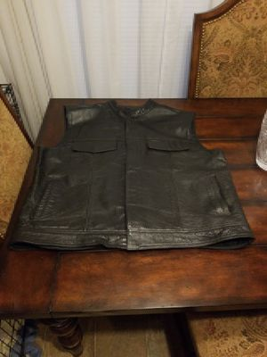 6 gear motorcycle leather vest 3x for Sale in Spring Hill, TN