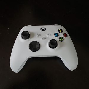 Xbox Series X Controller. Brand New ( Out Of Box) for Sale in Miami, FL