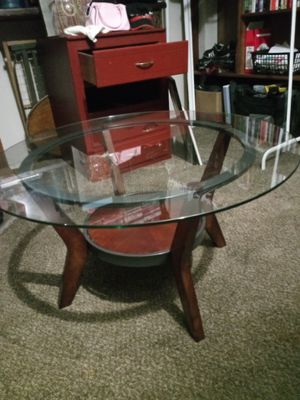 Coffee table and decoration- set for Sale in Tracy, CA
